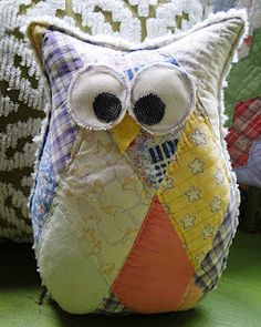 Button Owl...CUTE HOMEMADE OWL W/ PRETTY PATCHWORK FABRIC