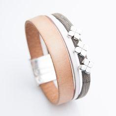 Bracelet cuir naturel et lanière à effet tissu avec motif !