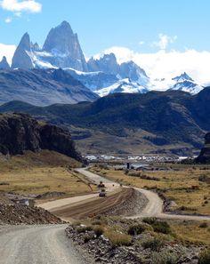 La Nueva Ruta 23 hacia El Chalten. ARGENTINA
