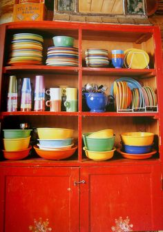 Fiesta ware....yes please. And I want the hutch to go with it.