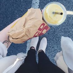 sundayss   #mcdonalds #vegan #smoothie #fries #sunday #sundayvibes #ootd #picoftheday#pictureoftheday #instagood #instadayly