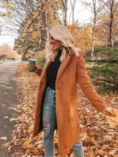womens fashion outfits looks fab. Fall Winter Outfits, Autumn Winter Fashion, Fall Fashion, Orange Fashion, Winter Wear, Fashion 2018, Cheap Fashion, Womens Fashion, Mode Outfits