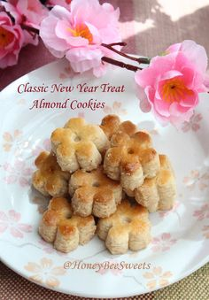 I am sure most of you have tasted almond cookies before. I would say a good recipe should be those that will slowly melts in the mouth. Biscuit Bar, Biscuit Cookies, Biscuit Recipe, Cake Cookies, Honey Almonds, Blanched Almonds, Cookie Recipes, Dessert Recipes, Dessert Ideas