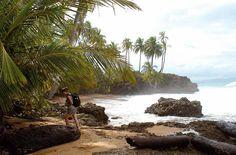 Costa Rica: land vol beschermde nationale parken en imposante vulkanen, afgewisseld met mystieke nevelwouden en tropische jungle. De nevelige dalen, woeste rivieren en idyllische stranden zorgen voor een ongekende diversiteit. Ervaar het ongerepte en pure Tortuguero National Park, geniet van hotsprings bij de Arenal Vulkaan en 'hike' door nevel en woud in het mystieke Monteverde. Reis met ons mee naar de mooiste plekjes van dit prachtige land!