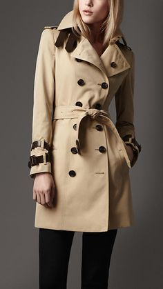Classic Trench with Leather details.
