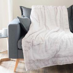 Plaid grigio in simil pelliccia 150 x 180 cm SOHO