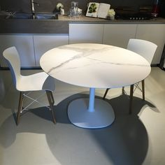 Multiplo Dining Table by Kartell