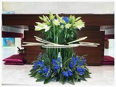 Daum 블로그 Modern Flower Arrangements, Table Arrangements, Altar Decorations, Centerpieces, Corporate Flowers, Church Flowers, Arte Floral, Center Table, Flower Designs