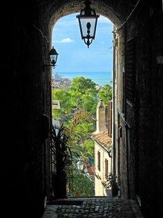 Torre di Palme, Marche, Italy....il mare in lontananza :-)