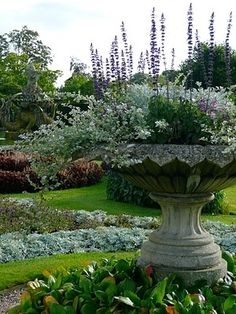 Garden urn overlooking the garden basin