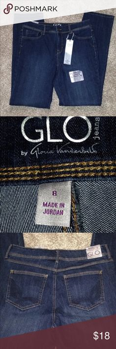 """Gloria Vanderbilt jeans SZ 8 New With tags Gloria Vanderbilt """"Glo"""" jeans Size 8 Felicia style with flex stretch straight leg and mid rise Waist is 31"""" Inseam is 31"""" rise is 101/2""""   73% cotton 25% polyester 2% stretch New with Tags Gloria Vanderbilt Jeans Straight Leg"""