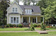 Cream farmhouse - pretty exterior color