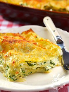 Picture of Lasagna with ricotta and spinach on a table stock photo, images and stock photography. Lasagna With Ricotta, Spinach Lasagna, Spinach Ricotta, Spinach Dip, Brunch Recipes, Healthy Dinner Recipes, Breakfast Recipes, Healthy Lasagna, Healthy Breakfast For Kids