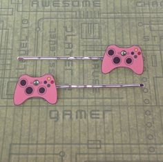 GIRL GAMER Pink Xbox 360 Video Games Controller Bobby Pins. OMG they're amazing!