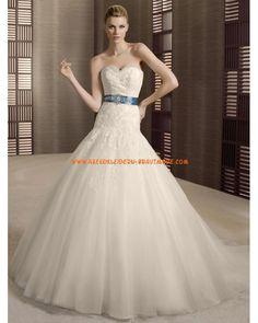 2012 Romantische Brautkleider aus Organza und Satin A-Linie Herzausschnitt mit Schleppe