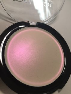 Click here to see more on the Ultra Strobe Balm from Makeup revolution  I was so excited about getting these. I knew I needed them as soon as I saw  them advertised! They are a cream highlight and come in a really cute  compact, which I like, as it's different to other cream.....