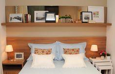 Que linda idéia para espelhos no quarto de casal. Tem mais no blog!