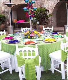 Handmade cotton Shawls for chair wedding decoration / Rebozos color verde limón para decoración de sillas en boda