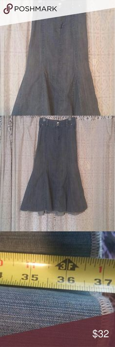 """Lane Bryant Faded Jean Maxi Skirt Soft Faded Jean maxi skirt Good Condition the only flaw is a few of the studs came off the belt loops (as seen in pic) but it's not very noticeable Waist 42"""" Hem length about 37"""" Lane Bryant Skirts Maxi"""