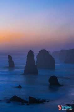 Bucket list tick - sunset at the Twelve Apostles along the Great Ocean Road in Victoria, Australia. Just beautiful. Beauty Around The World, Travel Around The World, Around The Worlds, Australia Destinations, Australia Travel, The Places Youll Go, Places To See, Best Beaches To Visit, Victoria Australia
