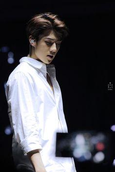 EXO'luXion 151212 : Baby Don't Cry - Sehun (2/4)