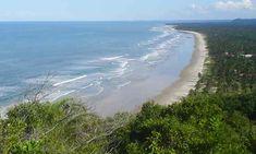 Praias do Norte,  Ilhéus - Bahia - Brasil O litoral de Ilhéus, também conhecido como Costa do Cacau, tem quase 100 quilômetros de praias de areias brancas. A diversão entre as praias é grande; você encontra praias movimentadas com muitas cabanas e opções de hospedagem logo no sul de Ilhéus enquanto as praias do litoral norte estão menos desenvolvidas e semi-desertas. As praias no centro de Ilhéus são as únicas com falta de uma boa estrutura.