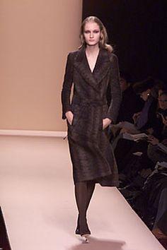 Carolina Herrera Fall 2000 Ready-to-Wear - Collection - Gallery - Look 1 - Style.com