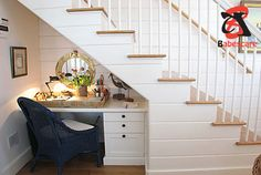 Taking advantage of the space under the stairs to create a corner home study is an excellent choice. Another benefit you can take from the hole under the stairs is to create a small workspace.