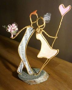 Be mine - Diy Crafts To Do, Wire Crafts, Cool Paper Crafts, Art Fil, Cement Art, Wire Weaving, Fairy Dolls, Recycled Art, Wire Art