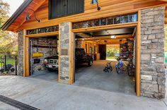 Transom over the Garage Doors. Craftsman Garage And Shed by King Building & Remodeling LLC Plan Garage, Garage Shed, Garage Storage, Garage Workbench, Garage Workshop, Garage Organization, Dream Garage, Workshop Ideas, Organization Ideas