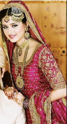 A typical Pakistani Bride! from Pakistan:) Pakistani Wedding Dresses, Pakistani Bridal, Indian Dresses, Indian Outfits, Bridal Dresses, Indian Bridal Wear, Indian Wear, Moda Indiana, Bollywood
