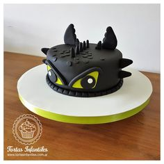 Torta de Furia Noctura, Entrenando a mi Dragon - www.facebook.com/Tortas.Infantiles.Web/ Dragon Birthday Cakes, Dragon Birthday Parties, Dragon Party, Dinosaur Cupcake Cake, Cupcake Cakes, Easy Cakes For Kids, Toothless Cake, Dragon Cupcakes, Jake Cake
