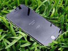 iPhone 6 PSD - Grass Shot