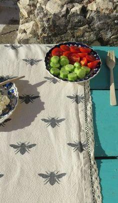 Bee Table Linen - Table cloth - Plümo Ltd