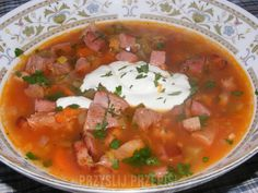 Zupa solianka - PrzyslijPrzepis.pl Thai Red Curry, Salsa, Ethnic Recipes, Food, Image, Salsa Music, Meals, Yemek, Eten
