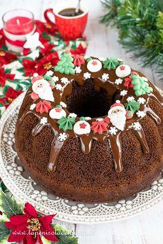 Torta di Natale semplice (dolce facile al cacao con decorazioni in zucchero e cioccolato) Christmas Food Treats, Christmas Goodies, Christmas Desserts, Christmas Cake Designs, White Chocolate Cheesecake, Sweet Corner, Christmas Eve Dinner, Bread Cake, Chiffon Cake