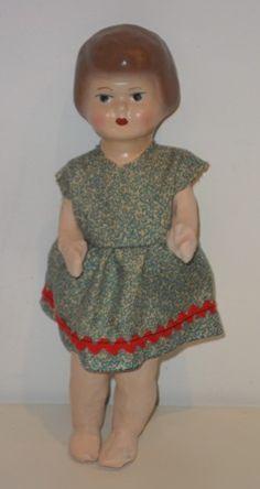 Muñeca  con la cabeza  y  cuerpo de cartón piedra. Llamada Pepa Catalana. Antique doll head and body of papier mache. Pepa called Catalana.