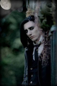 Goth guy (Chad Heger) when i was 4yrs old this would of been what my dream guy would look like. Funny, i still find him hella hot.