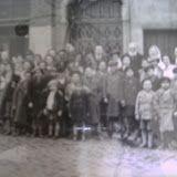 REFLEJOS JUEGOS DE ESPEJOS: La sombrilla: Antes, niños de la guerra. Ahora, gu...