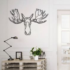 Minimalistic Animal Wall Signs Brought To Life Via One-Line Drawings - DesignTAXI.com