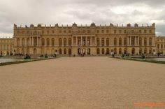 Versailles Palace ~ France~ It was originally the small hunting lodge of King Louis XIII. Later on the majority of the palace itself was built by King Louis XIV. Versailles Garden, Palace Of Versailles, Palaces, Palace Interior, Royal Residence, Classic Architecture, Travel And Leisure, Marie Antoinette, Adventure Travel