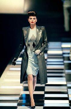 1998-99 - Alexander McQueen 4 Givenchy show