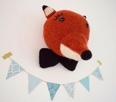 Oh deer. Knit Crochet, Crochet Hats, Crochet For Beginners, Little Ones, Dinosaur Stuffed Animal, Owl, Christmas Ornaments, Knitting, Sewing