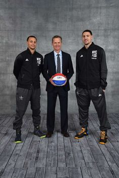 Stephen Curry - Steve Kerr - Klay Thompson - Three of the best 3 point shooters. Golden State Basketball, Love And Basketball, Basketball Players, Thompson Warriors, Stephen Curry Family, Stephen Curry Basketball, Curry Warriors, Splash Brothers, Sports Figures