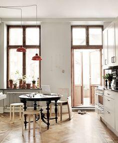 Doors & Windows!!! Love them  Original Swedish Apartment // Един малко по-различен шведски апартамент   79 Ideas