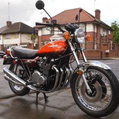Stunning (1973 Kawasaki Z1 900 Classic Kawasaki for Sale - £21,989.00) at Motorcycles Unlimited http://www.motorcyclesunlimited.co.uk/1973-kawasaki-z1-900-classic-kawasaki-for-sale/