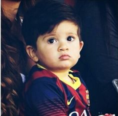 Thiago Messi Lional Messi, Antonella Roccuzzo, Cute Kids, Adorable Babies, Argentina National Team, Fc Barcelona, Cristiano Ronaldo, Football Players, Leo