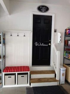 Easy DIY Mudroom in the garage! -- Easy DIY garage organization ideas and storag. Easy DIY Mudroom in the garage! — Easy DIY garage organization ideas and storage tips! A ton of c Mud Room Garage, Garage House, Dream Garage, Garage Art, Garage Shop, Garage Door Paint, Garage Door Makeover, Painting Garage Doors, Garage Paint Ideas