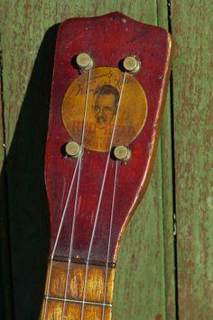 """Vintage c.1925 Regal Wendell Hall """"Redhead"""" Ukulele"""