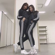 iz*one : yujin and eunbi